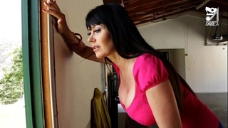 Porno mexicano exterminator seduces the hottest milf with large bazookas!! eva karera