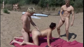 Nude beach swingers at nudebeachdreams.com