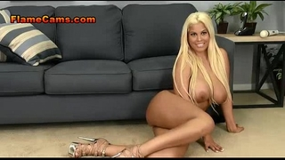 Curvy beach golden-haired in heels receives bare